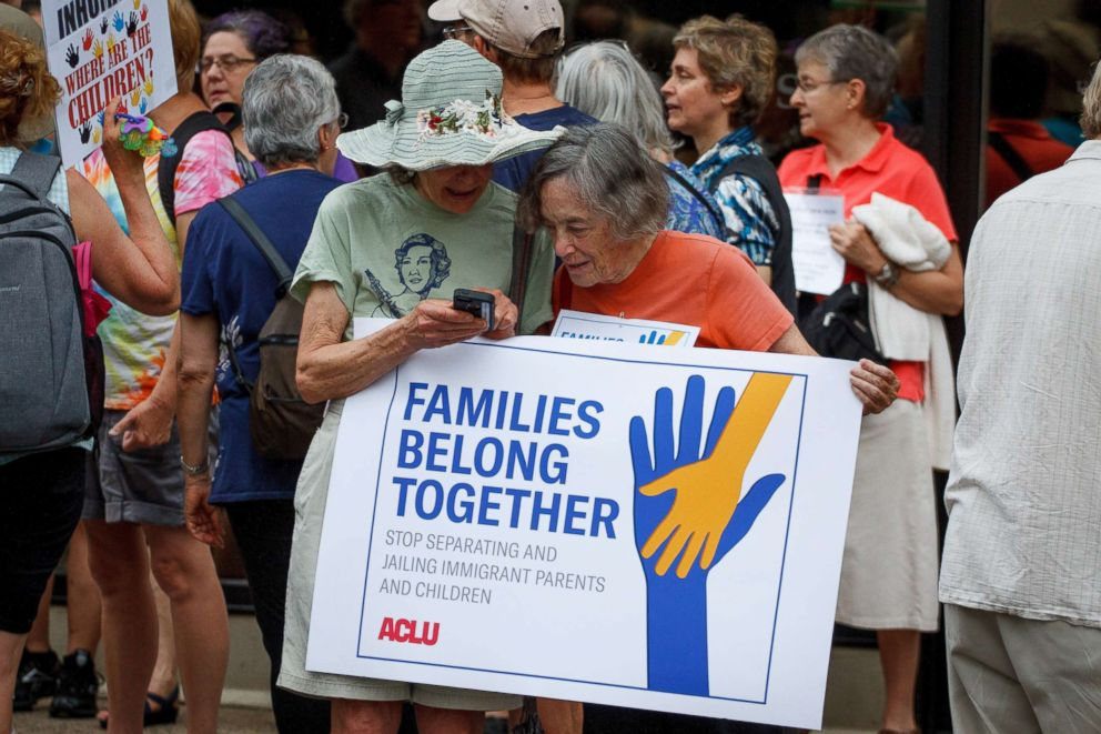 Advocacy groups mobilize supporters to end 'zero-tolerance' immigration policy